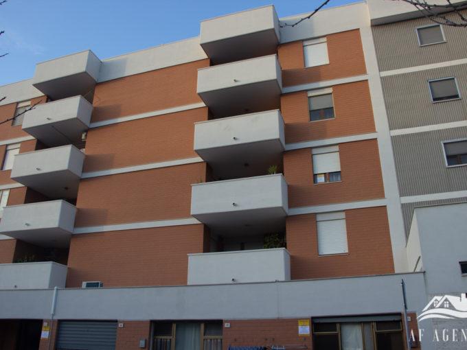 Rif. 08/2020 Locale commerciale  Giovinazzo