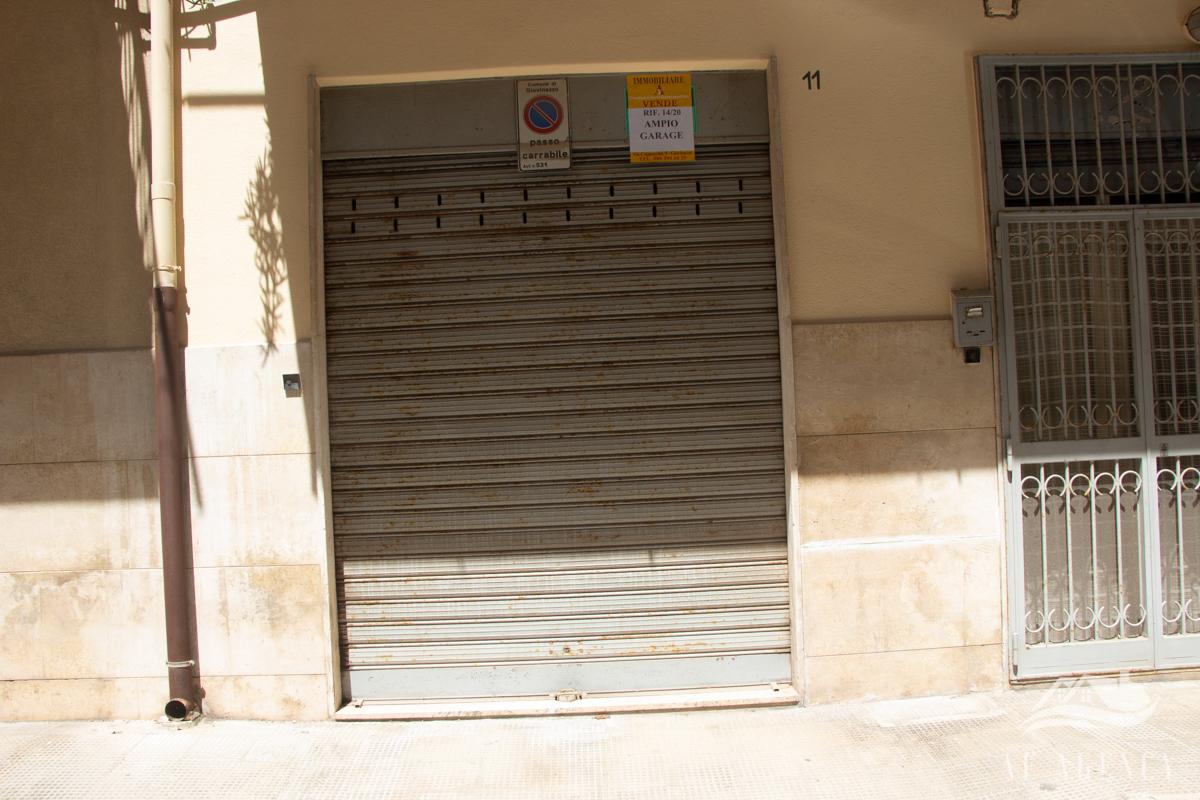 Rif. 14/2020 Ampio garage|Giovinazzo