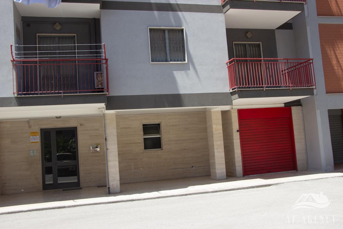 Rif. 16/2020 Quadrivani accessoriato con garage e posto auto